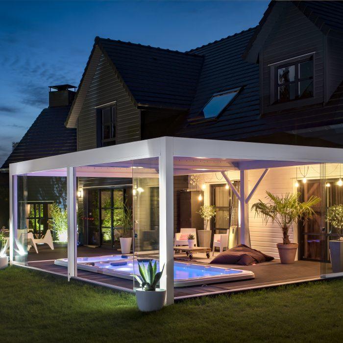 Aménager votre terrasse avec un spa jacuzzi extérieur